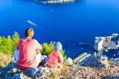 Vater- und Sohnreise in Europa Stockfotos