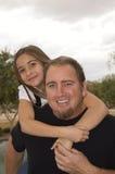 Vater- und Tochterspaßzeit lizenzfreie stockfotografie