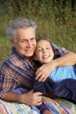 Vater- und Tochterunterhaltung Lizenzfreie Stockbilder