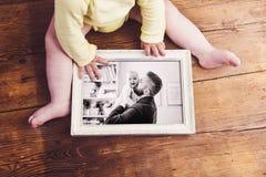 Vatertagszusammensetzung 3D übertragen Hölzerner Hintergrund Lizenzfreie Stockfotos