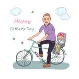Vati mit dem Baby fahren mit dem Fahrrad Stockbild