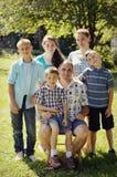 Vati mit Kindern lizenzfreie stockfotos