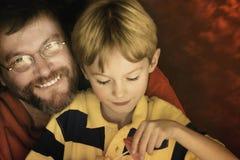 Vati und Sohn Stockfotos