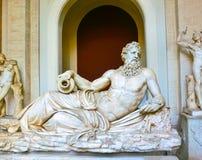 Vatican City Italien - Maj 02, 2014: Skulptur för klassisk grek av Neptun i Vaticanenmuseum Royaltyfri Foto