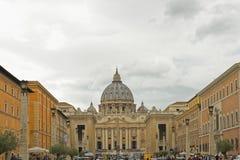 Vatican City som är basilic av St Peter Arkivbild