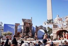 VATICAN CITY Vaticanen-Januari 6: Turister på fötter St Peter Arkivfoto
