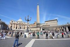 Vatican - le grand dos de Peter de saint photos stock