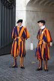 Vatican - protezione dello svizzero Immagini Stock