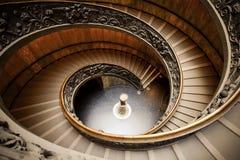 VATICANEN - MARS 20: Spiral trappa av Vaticanenmuseerna i Va Arkivbild