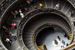 VATICANO - 30 DE MAIO DE 2014: Escadaria espiral nos museus do Vaticano Imagem de Stock Royalty Free