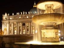 Vatikaan bij nacht Royalty-vrije Stock Foto's