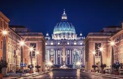 Vatikaan bij Nacht Stock Afbeeldingen