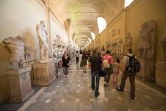 Vatikan-Museumsinnenraum stockfotos