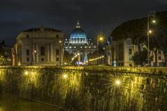 Vatikanstadt nachts Lizenzfreie Stockfotografie