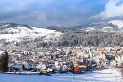Vatra Dornei nell'orario invernale con neve Fotografie Stock