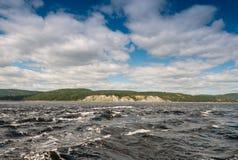 Vatten av Saint Lawrence River i Tadoussac Arkivbilder