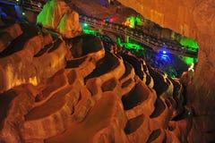 Vatten-eroderad grotta Arkivfoto