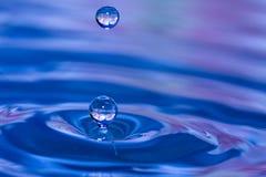 vatten för 2 droppar Fotografering för Bildbyråer