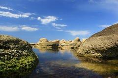 vatten för 2 stenar Arkivbild