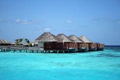 vatten för bungalowmaldives hav Royaltyfria Foton