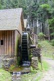 Vatten för den guld- minen maler i Zlate Hory, Tjeckien Arkivbilder