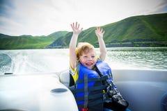 vatten för fartygbarnlopp royaltyfri foto