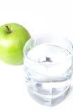 vatten för green en för äpple glass Fotografering för Bildbyråer