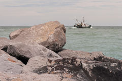 vatten för kustlinjepebbleshav Royaltyfria Foton
