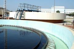 vatten för miljöfiltrationväxt Arkivfoton