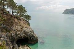 vatten för sikt för oklarhetshavsky Naturbakgrund med inget Morgat Crozon halvö, Brittany, Frankrike arkivfoto