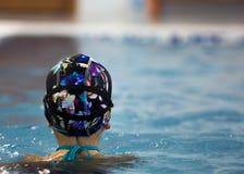 vatten för simning för barnpölsport arkivfoto