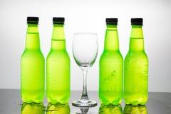 vatten för version för flaskillustrationraster Royaltyfria Bilder