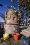 vatten för tempel för kathmandu lokalt apatillförsel Arkivfoton