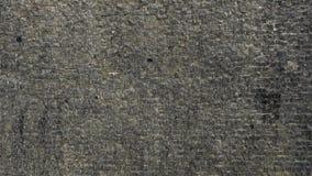 Vatten flödar på textur för bakgrund för tegelstenstenvägg arkivfilmer
