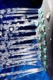 Vatten från duschhuvudet Royaltyfria Foton