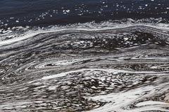 Vatten med Swirly modeller royaltyfri foto