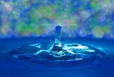 Vatten och droppe Arkivbild
