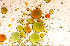 Vatten- och oljabubblabakgrund arkivbilder