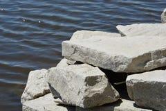 Vatten och Rock-1 Royaltyfri Fotografi
