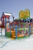 Vatten parkerar lekjordning Arkivbild