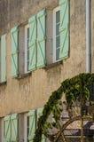 Vatten rullar in Provence, Frankrike arkivbild