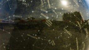 Vatten som roterar den astronomiska stenjordklotspringbrunnen lager videofilmer