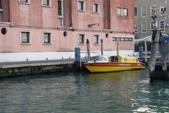 Vattenambulans i Venedig Arkivbild