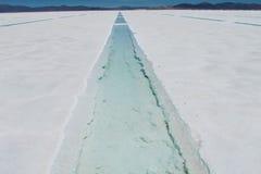 Vattenbehållare för salt sjö Arkivbilder