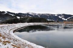 Vattenbehållare sjön, Schmittenhöhe, Zell f.m. ser, Österrike Arkivfoto