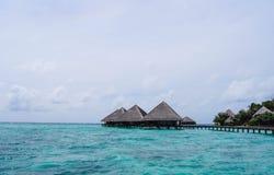 Vattenbungalower i Indiska oceanen Fotografering för Bildbyråer