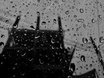 Vattendroppe på exponeringsglas Royaltyfria Bilder