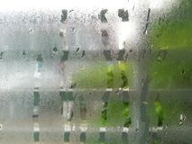 Vattendroppe på sovrumfönster Fotografering för Bildbyråer