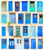Vattenfärg av blåa grekiska dörrar vektor illustrationer