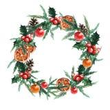 Vattenfärgjulkrans med julbollar, pinecone, misletoe, apelsiner och filialer av julgranar royaltyfri illustrationer